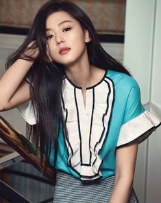 Actress Jun Ji Hyun recently posed for the latest issue of fashion magazine 'Elle'.The photoshoot concept being 'The Unseen', the actress presented an… Korean Beauty, Asian Beauty, Jun Ji Hyun Fashion, Korean Fashion, Trendy Fashion, Elle Fashion, My Sassy Girl, 2 Instagram, Korean Actresses