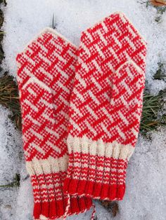 Finely Knitted Estonian Mittens in Red and White  by NordicMittens