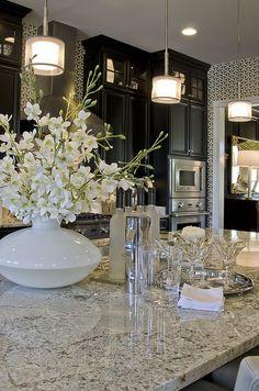 Check out those dark cabinets! Love the mixture of the dark cabinets with the wallpaper and granite. Just lovely! Kitchen Redo, New Kitchen, Kitchen Remodel, Kitchen Black, Kitchen Ideas, Glass Kitchen, Kitchen Inspiration, Kitchen Designs, Country Kitchen