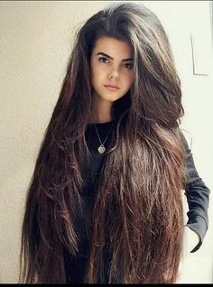 Whoah! Full body brunette straight hair. Absolutely powerful to the eyes. :)