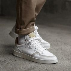 adidas Originals Supercourt in weiss - Sneaker Outfits, Sneakers Outfit Casual, Converse Sneaker, Puma Sneaker, Sneakers Fashion, Shoes Adidas, Adidas Outfit, Sneaker Trend, Adidas Originals Sneaker