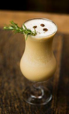 O Zena Ice mistura duas paixões italianas, o café e a grappa, destilado do bagaço da uva. Clique no MAIS para ver a receita