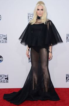 Gwen Stefani attending the 2015 American Music Awards in Los Angeles, California Gwen Stefani, Vanity Fair, Selena Gomez, Kendall, American Music Awards 2015, Red Carpet Event, Dress To Impress, People, Dress Up