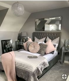 Small Bedroom Ideas - All the bedroom design ideas you'll ever before require. Find your style and also create your desire bedroom scheme whatever your budget plan, style or area size. Girl Bedroom Designs, Bedroom Themes, Bedroom Ideas For Teen Girls Small, Small Teen Bedrooms, Bedroom Ideas Grey, Trendy Bedroom, Modern Bedroom, Teenage Bedrooms, Master Bedrooms