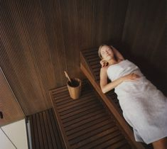 Effe - Perfect wellness by Effegibi is a luxury manufacturer of luxury home sauna & steam solutions. They manufacturer finish sauna rooms along with steam units and Turkish baths. Dry Sauna, Bath Pictures, Sauna Design, Finnish Sauna, Sauna Room, Turkish Bath, Steam Room, Body Love, Home Renovation