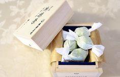 特別な贈り物に!格式のあるこだわり木箱入りの高級感漂うスイーツ5品! - ippin(イッピン)