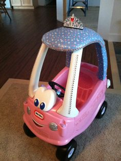 Princess little tykes car Toddler Themes, Toddler Toys, Little Tykes Car, Little Tikes Makeover, Cozy Coupe Makeover, Princess Car, Pink Love, Jouer, Childcare