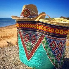 I´m Cecilia, free-thinker with boho soul: lover of life and beauty. Hippie Bags, Boho Bags, Ethnic Bag, Cowgirl Hats, Ibiza Fashion, Unique Purses, Beaded Bags, Summer Accessories, Summer Bags