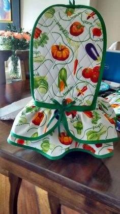 You can start at the pace you want and receive support during the course of the process, finally you will enjoy greater flexibility and economic freedom. Kitchen Towels Crafts, Towel Crafts, Kitchen Hand Towels, Sewing Projects For Beginners, Projects To Try, Appliance Covers, Love Sewing, Sewing Patterns Free, Soft Furnishings