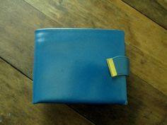 Wallet Billfold kiss lock coin purse Mad Men era vintage 60s teal blue leather Betty Draper Mad Men style Winston NWT original tags