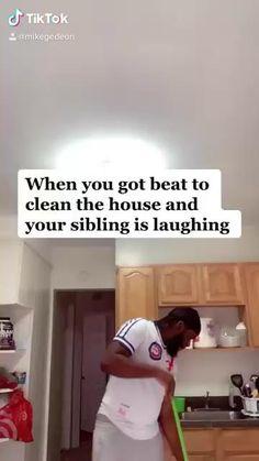 Mike Gedeon on TikTok Crazy Funny Videos, Funny Videos For Kids, Super Funny Videos, Funny Video Memes, Crazy Funny Memes, Really Funny Memes, Stupid Funny Memes, Funny Relatable Memes, Funny Facts