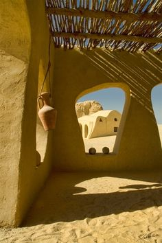 desert homes. Looks like Tatooine Vernacular Architecture, Islamic Architecture, Art And Architecture, Organic Architecture, Desert Dream, Desert Homes, Natural Building, Earthship, Mellow Yellow