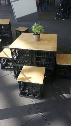 Fun ideas for DIY upcycled milk crate furniture and home decor made from repurposed milk crates. Milk Crate Furniture, Bar Furniture, Milk Crate Chairs, Garden Furniture, Cardboard Organizer, Plastic Crates, Plastic Containers, Outdoor Furniture Plans, Crate Shelves
