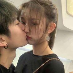 Hot Couples, Cute Couples Goals, Couple Goals, Korean Boys Hot, Korean Couple, Ulzzang Korean Girl, Ulzzang Couple, Relationship Goals Pictures, Cute Relationships