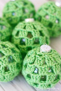 Crochet baubles- handmade Christmas tree ornament inspiration