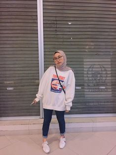 Hijab Casual, Ootd Hijab, Casual Outfits, Modern Hijab Fashion, Street Hijab Fashion, Muslim Fashion, Teen Fashion Outfits, Ootd Fashion, Hijab Mode Inspiration
