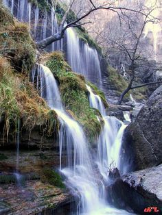 Salto del Nervión -Orduña Euskadi Basque Country / my hometown Beautiful Places To Visit, Places To See, Water Pictures, Basque Country, Beautiful Waterfalls, Amazing Destinations, Natural Wonders, Holiday Travel, Strand