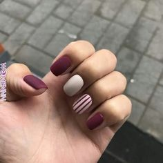 Nail art is a very popular trend these days and every woman you meet seems to have beautiful nails. It used to be that women would just go get a manicure or pedicure to get their nails trimmed and shaped with just a few coats of plain nail polish. Red Manicure, Manicure E Pedicure, Mani Pedi, Red Nail, Fall Nail Designs, Simple Nail Designs, Matte Nails, Diy Nails, Acrylic Nails