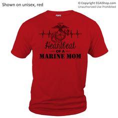 _T-Shirt (Unisex): Heartbeat of a Marine Mom
