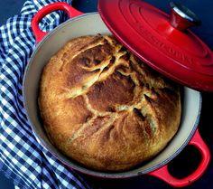 """Grydebrød. Det klassiske grydebrød i en """"hurtig"""" udgave, som """"kun"""" skal hæve i 3 timer. Nemt og lækkert og perfekt brød. Se mere her... Party Cakes, Bread Baking, Crackers, Baking Recipes, Mashed Potatoes, Banana Bread, Food And Drink, Easy Meals, Yummy Food"""