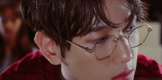Baekhyun in Young and with glasses RUINED ME // exo
