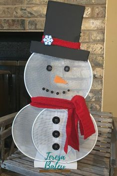 Dollar Tree Splatter Screen Snowman - - Seems that I have become addicted to splatter screen crafts, I have so many ideas going through my head on what I can make. For now, I want you to check out my Dollar Tree Splatter Screen Snowman, isn't he cute? Snowman Christmas Decorations, Dollar Tree Christmas, Snowman Crafts, Christmas Projects, Holiday Crafts, Christmas Crafts, Christmas Ornaments, Snowman Wreath, Christmas Snowman