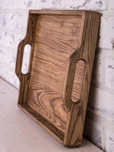 Woodworking Projects Diy, Woodworking Furniture, Fine Woodworking, Woodworking Logo, Woodworking Workbench, Woodworking Workshop, Woodworking Techniques, Wood Chopping Board, Wooden Serving Trays
