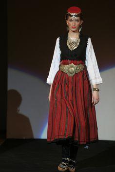 #Serbian Treasure : bride , Vranjsko polje suknja futa ili vuta Southern Serbia