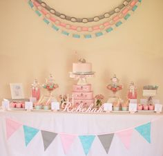 First birthday party: Baby elephant theme Little Girl Birthday, Baby Birthday, First Birthday Parties, First Birthdays, Birthday Ideas, Vintage Birthday, Birthday Cakes, Elephant Party, Elephant Birthday