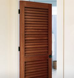 Attirant Louvered Pantry Door