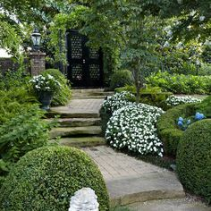 English Formal Garden Design Ideas, Pictures, Remodel and Decor~English Gardens~