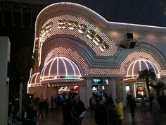 Seeing some of the old casinos/hotels was quite interesting.  All sorts of entertainment in the streets and zip lining!!