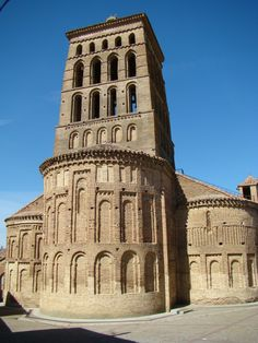 A Mayor in Spain's Castilla y Leon caught breaking lockdown to go ring church bells on Good Friday - Olive Press News Spain Romanesque Architecture, Ancient Architecture, Architecture Details, Monuments, Pre Romanesque, Ottonian, New Spain, Carolingian, Chapelle