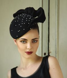 Google Image Result for http://www.janetaylormillinery.com/pics/products/pearl_pillbox_jane_taylor_autumn_winter_collection_2011.jpg