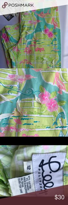 Lilly Pulitzer size 12 Palm Beach capris In gently used condition size 12 Capri pants beautiful print of palm beach Florida. A rare and unique print! Lilly Pulitzer Pants Capris