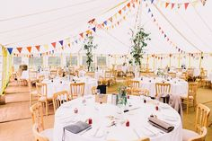 12 originelle Ideen und Tipps für die Dekoration des Festsaals | Hochzeitsblog The Little Wedding Corner