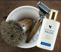Gentlemen's pride by Forever. Also a great gift idea for him. Forever Living Aloe Vera, Forever Aloe, Forever Freedom, Shaving Set, After Shave Balm, Presents For Friends, Forever Living Products, Aloe Vera Gel, Health And Wellbeing