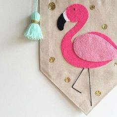 Lucky last flamingo in the shop!! 💖💚