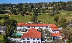 Peek Inside Lori Loughlin's Bel Air Mansion – DIRT Lori Loughlin House, Golden Girls House, Bel Air House, Bel Air Mansion, House Star, Stucco Exterior, Fuller House, Mansions For Sale, Expensive Houses