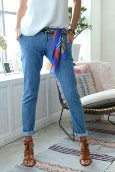 oulard en guise de ceinture