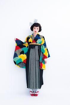 袴レンタル卒業式『hakama0000074』紅一点はかまIN-6 黒と黄色と緑と黄色と赤の雪輪 黒の袴 和モダン袴 レトロ袴