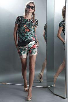 No. 21 Resort 2012 Collection Slideshow on Style.com
