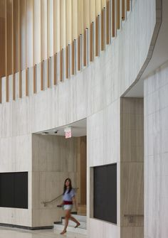 Image 8 of 27 from gallery of UTM Innovation Centre / Moriyama & Teshima Architects. Photograph by Shai Gil