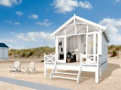 Slaapstrandhuisjes op de mooiste locaties in Nederland smallcottagehouseplans Small Cottage House Plans, Cottage Homes, Bungalow, Prefab Cabins, Beach Cabana, Beach Cottages, Beach Houses, Tiny Beach House, Gardens