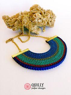 gioielli in cartoncino ondulato di forma circolare