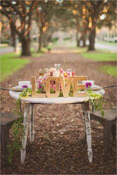 rustic sweetheart table ideas
