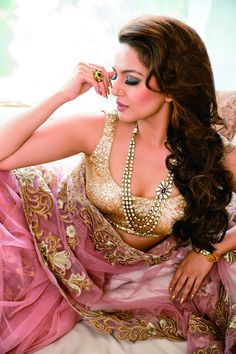 View Huma Qureshi& portfolio pics Pics on TOI Photogallery Bollywood Fashion, Bollywood Actress, Indian Dresses, Indian Outfits, Indian Clothes, Dubai Fashionista, Huma Qureshi, Desi Wedding, Desi Bride