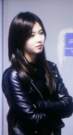Asian Woman, Asian Girl, Harajuku Japan, Plastic Raincoat, Biker Chic, Leather Pants, Leather Jackets, Black Leather, Latex Fashion