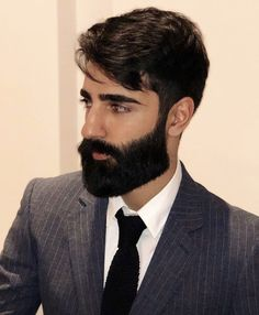 Beard Suit, Beard Look, Sexy Beard, Different Beard Styles, Beard Styles For Men, Hair And Beard Styles, Great Beards, Awesome Beards, Hairy Men