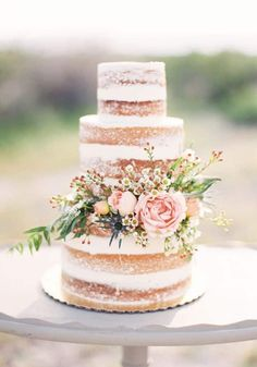 Wedding Cakes Naked Wedding Cake with Pink Flowers and Greenery. A country-chic naked wedding cake by Sprinkle Naked Wedding Cake, Wedding Cake Photos, Wedding Cake Rustic, Rustic Cake, Wedding Country, Wedding Vintage, Dessert Wedding, Countryside Wedding, Wedding Breakfast
